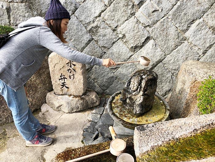 智禅寺の水かけ弁天