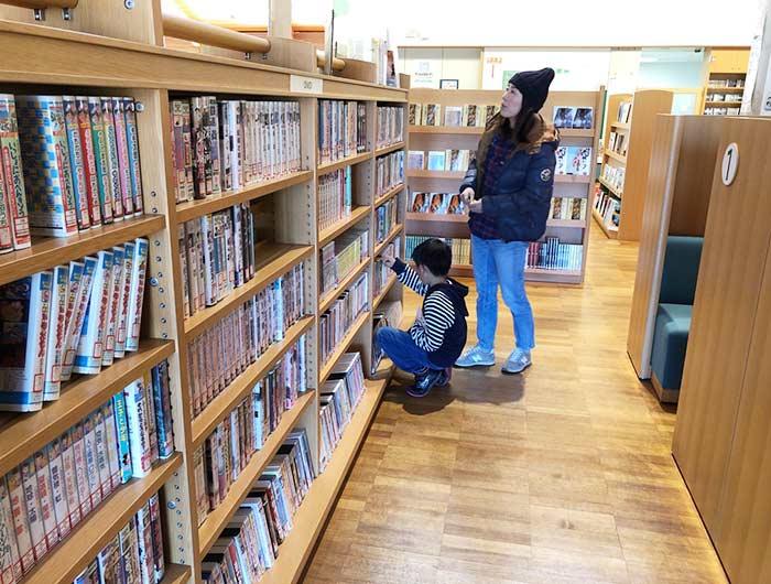 五色図書館でDVDを探す