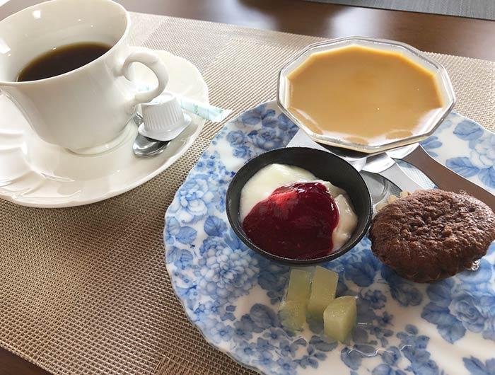 七彩果(ななさいか)のコーヒーとデザート