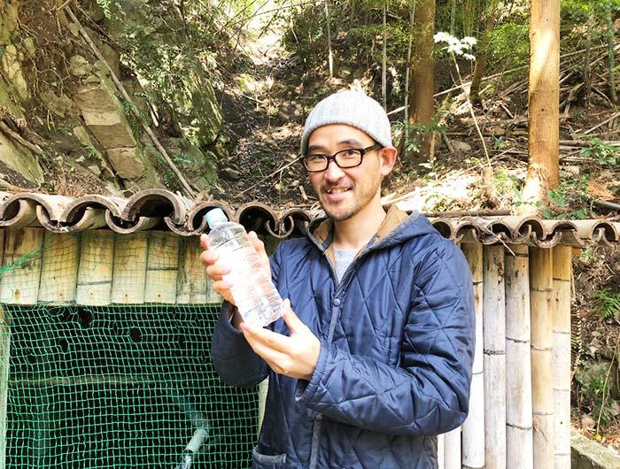 淡路島 御井の清水の水汲み場でミネラルウォーターをゲット
