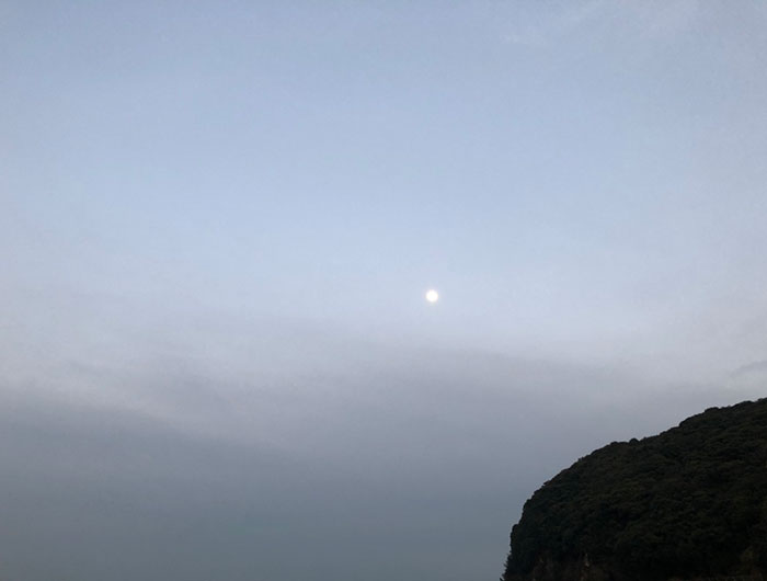 淡路島の月