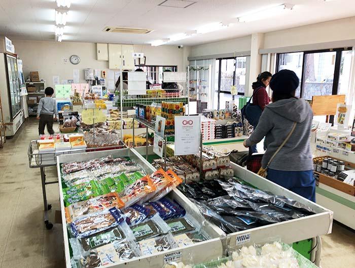 淡路島牧場の売店の様子