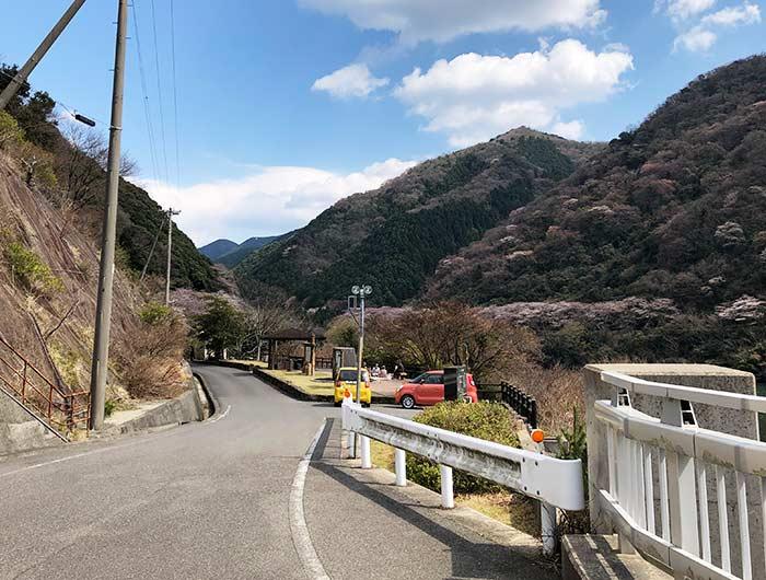 諭鶴羽ダムの駐車場