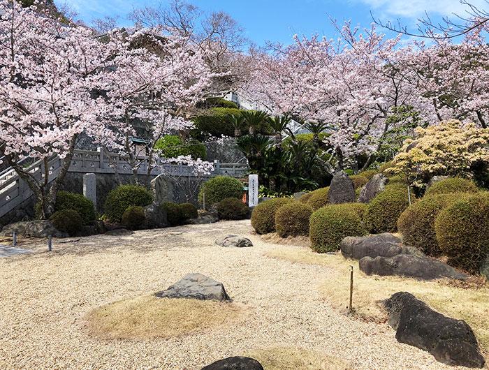 圓城寺の日本庭園「寿楽園」