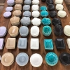 陶器好きの友人と「Awabi ware(あわびウェア)」へ。元診療所のレトロな雰囲気も楽し