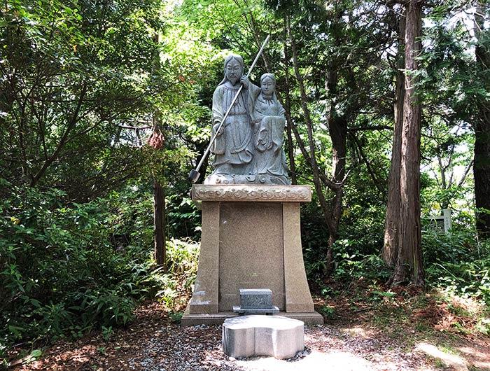 自凝神社(おのころ神社) 二神石像