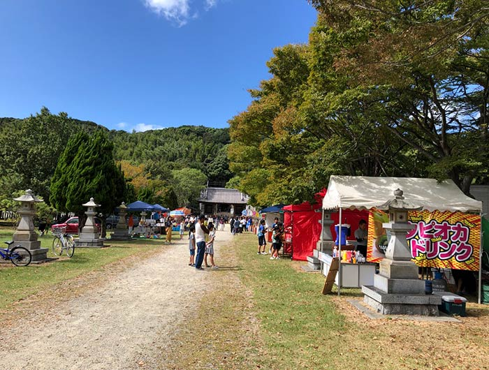 松帆神社の参道