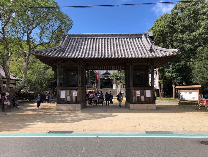 松帆神社の門