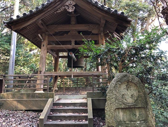岩上神社の鐘楼
