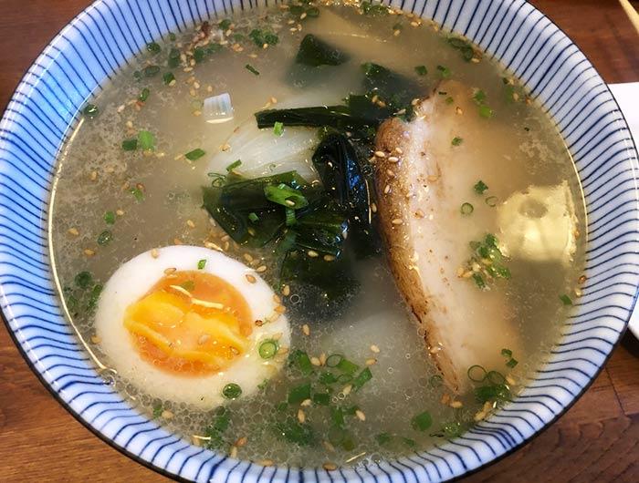 淡路鶏塩ラーメン