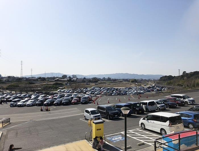 イングランドの丘の駐車場