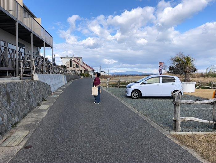 ペンションプラージュの駐車場
