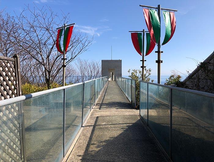 百段苑の渡り廊下