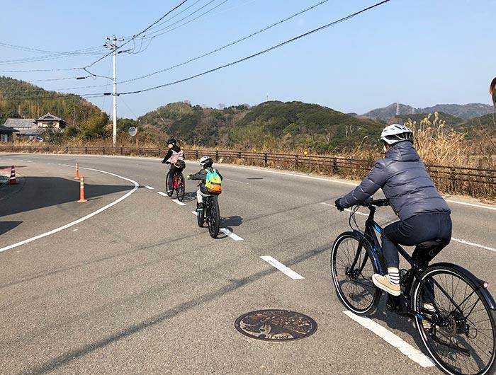ロードバイクで里山のアップダウンをのぼる
