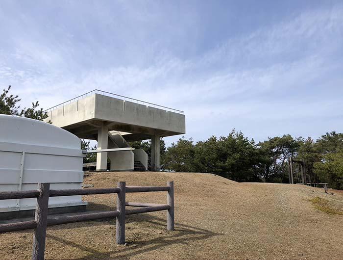 柏原山(かしはらやま)の北側展望台の様子