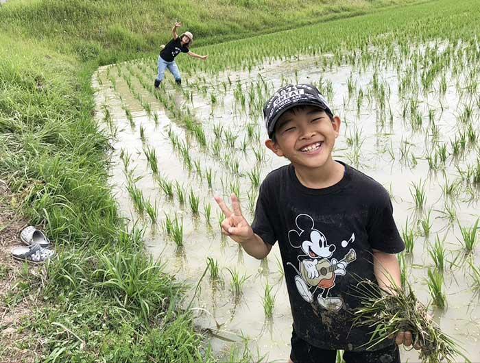 息子も除草作業を手伝ってくれました