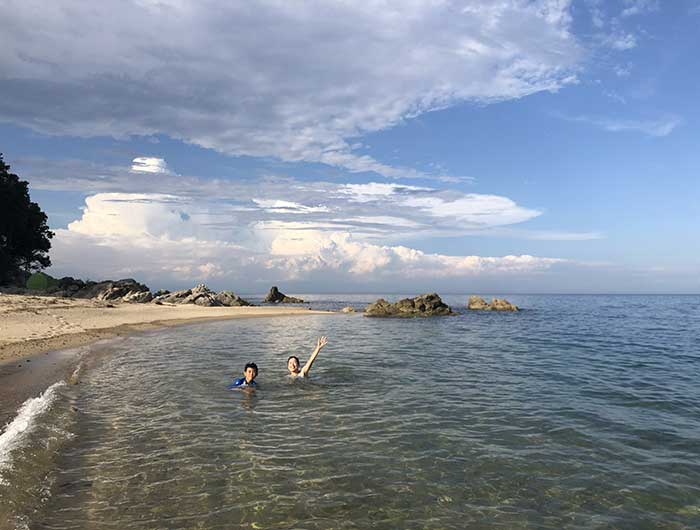 厚浜の磯場ビーチ