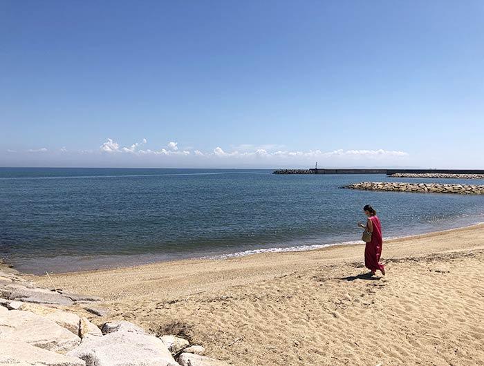 ロキデ アワジシマの前のビーチ