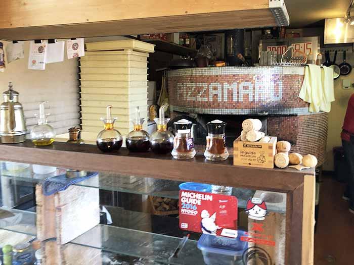 石窯ピザ丸のピザ窯