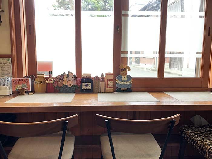 メリッサ サカベのカウンター席