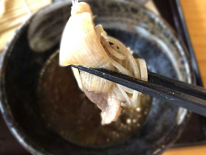 鴨せいろのお肉と麺と玉ねぎ
