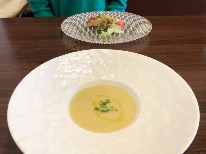 前菜のスープ