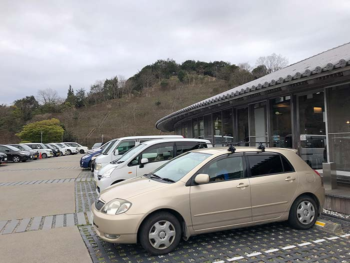 ゆーぷるの駐車場
