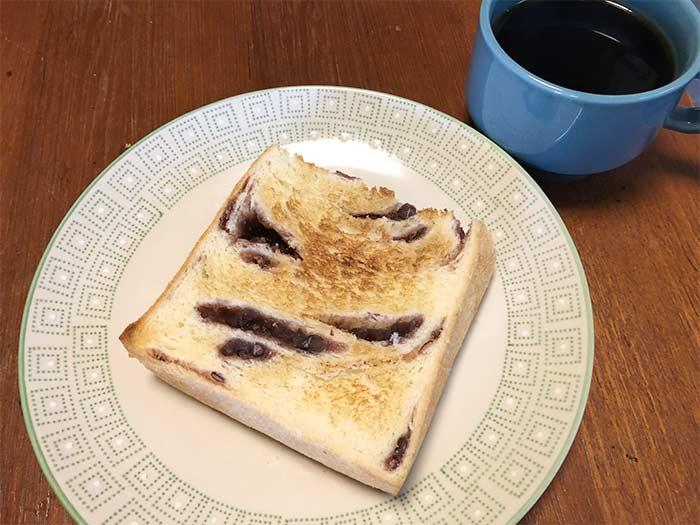 あん食パンとコーヒー