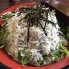 淡路島・kampaiで、釜揚げしらす丼ランチ❗️これは山盛りだね😁鶏釜飯のおこげもいい感