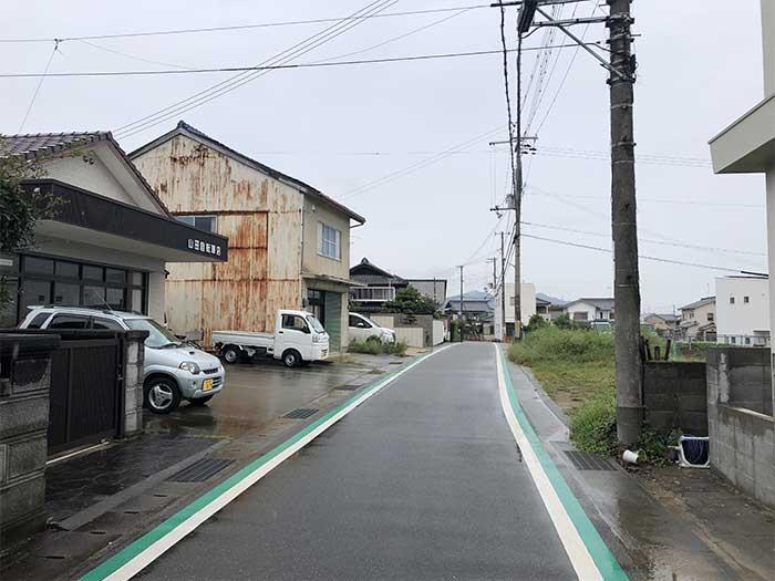 山田自転車の前の道