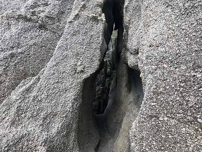 明神岬の洞窟
